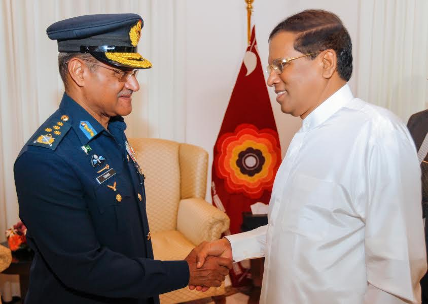 Pakistans Air Chief meets