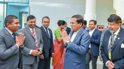 03 Welcome by Sri Lanka High Commissioner Somasundaram Skandakumar and the staff at the airport2017